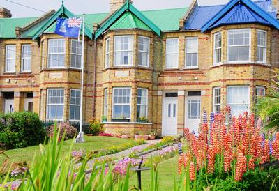 Jubilee Villas - English-style houses